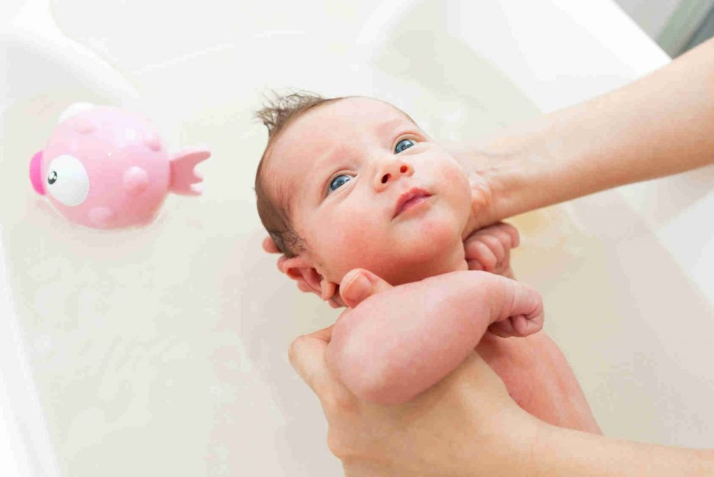 การอาบน้ำทารก